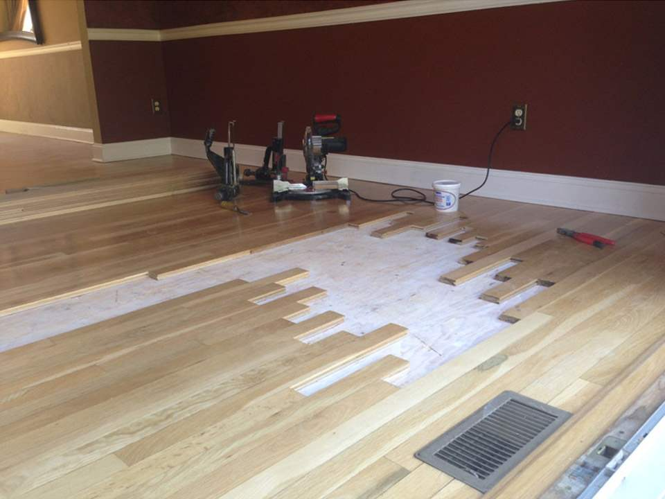 Hardwood floor repair good daveus hardwood flooring for Wood floor repair